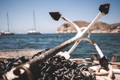 Anker als Symbol für Organisation der Seebestattung