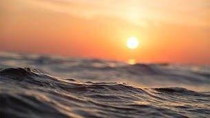 Wellen als Symbol für die Seebestattung